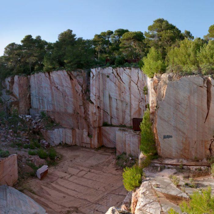 carrières de marbre rouge à Caunes-Minervois
