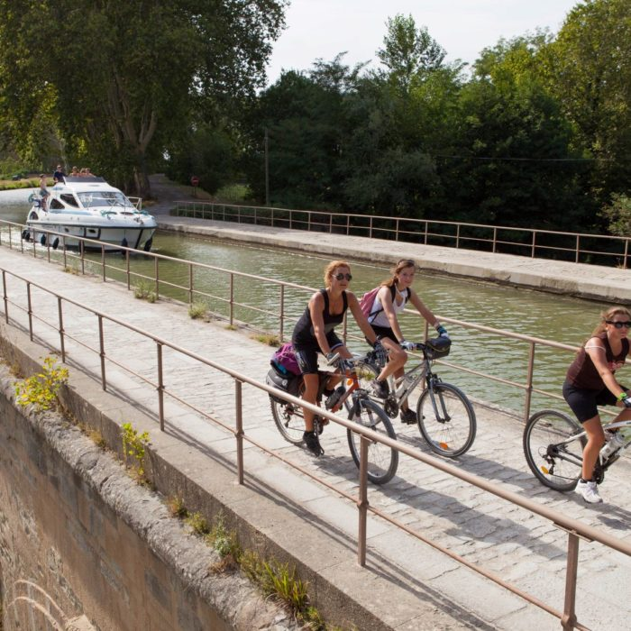 canal-velo-location -carcassonne-homps