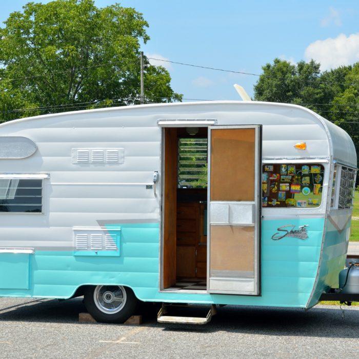 camping-car-aire-canal-du-midi