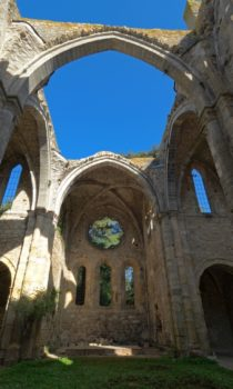 Abbaye de Villelongue ruines romantiques aude pays cathare