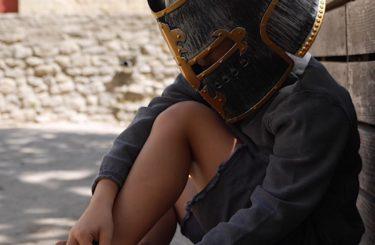 la-cite-de-carcassonne-en-famille-enfants-chevaliers