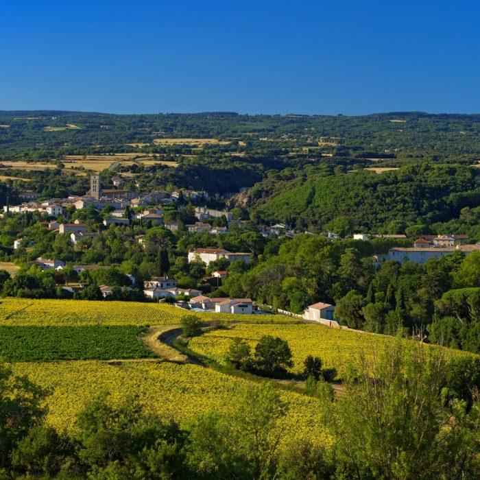 Montolieu-aude-occitanie-village-proche-carcassonne