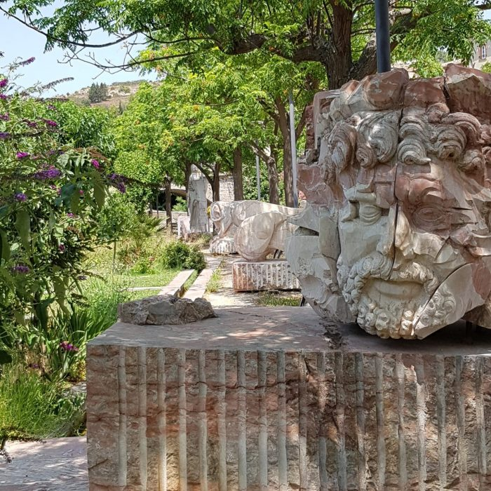 marbre-fontaine-caunes-minervois-village