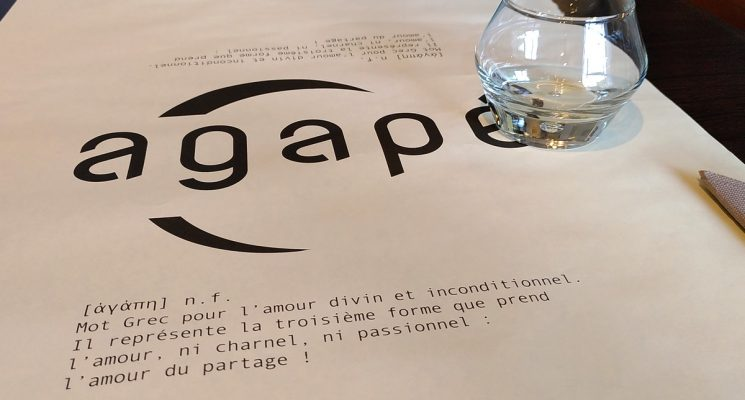 AGAPE – Table