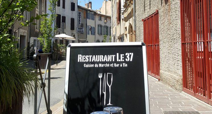 LE 37 (11)