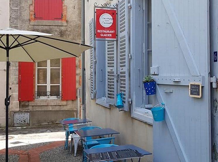 LE VOYAGE DANS L'ASSIETTE Rue