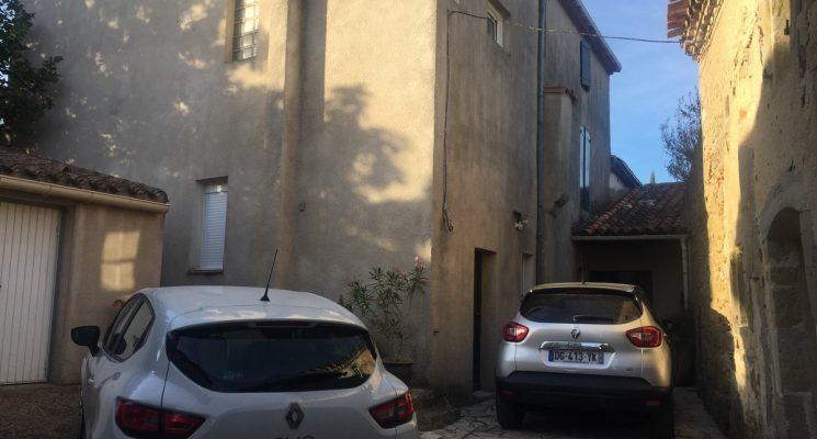 MAISON DELMAS parking