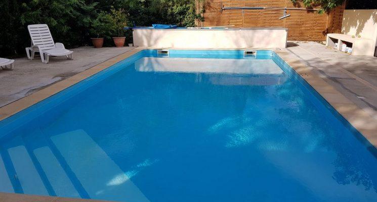 Maison-du-bonheur-piscine