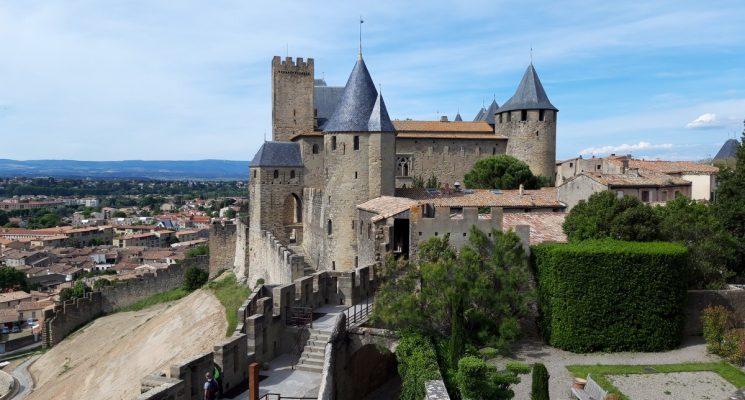 carcassonne-2019-05-cite-rempart-chateau-comtal