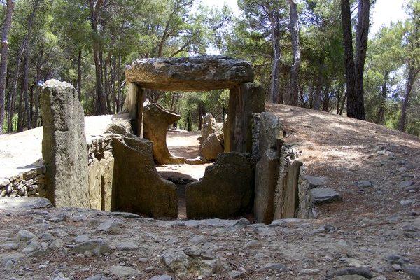 dolmen des fades pepieux